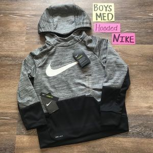 🛍NWT Nike Boys Size Med DRI-FIT Hoodie